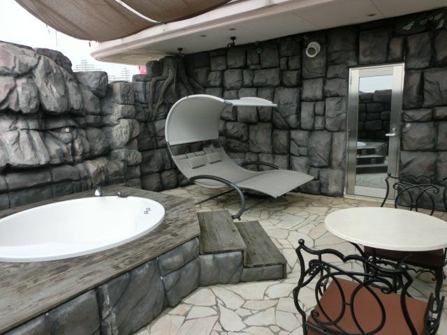 201号室露天風呂にロッキングベットを導入しました。