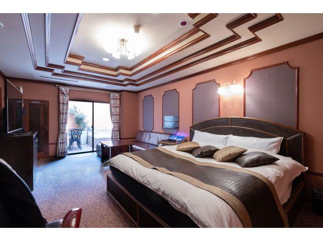 603号室露天風呂・大きなベッド・大型TVなどなど充実