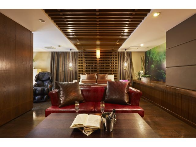 1002号室ナチュラルで自然なデザインで統一されているとても人気のお部屋です。お部屋の中ではテラリウ...