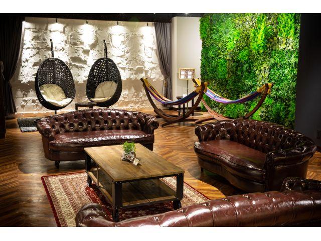 高級感のあるソファで、優雅なひと時をお楽しみください。