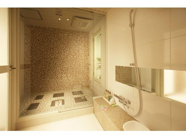 好きなだけデトックスもして、贅沢な時間も過ごして、そんな夢のようなことが叶う岩盤浴付きのお部屋。