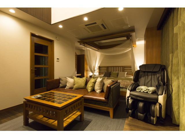 【707号室】エグゼクティブスイート★天蓋付きベッドに高級感あふれるお部屋です♪