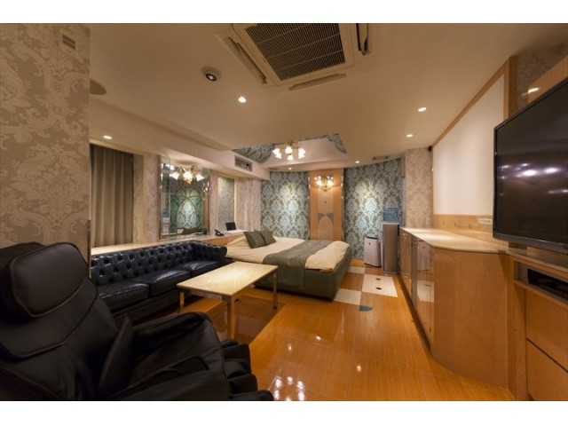 HOTEL LUNA 池田店