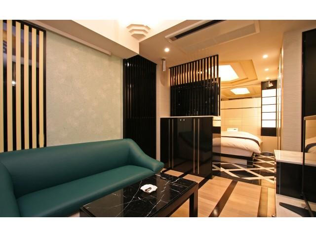 HOTEL Salone (サローネ)