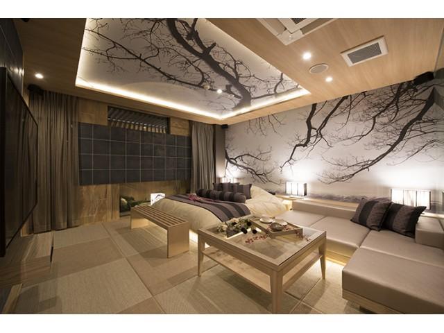 HOTEL IN THE MOON( ホテル インザムーン )