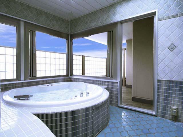 41 開放的な露天風呂
