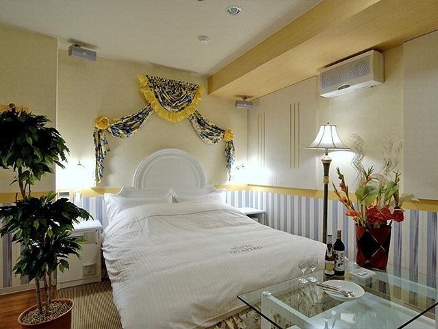 ホテル クワトロ
