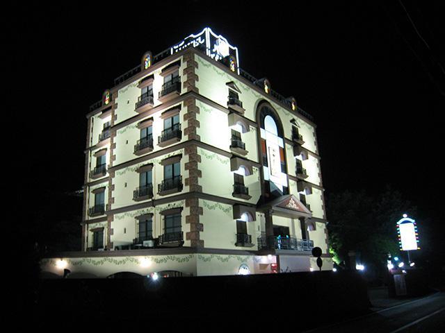 ホテル パレロワイヤル外観