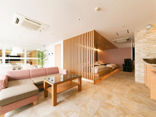 HOTEL LOTUS 豊中店