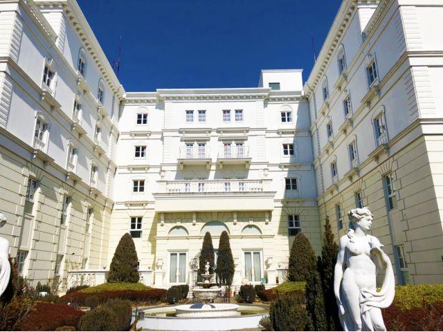 HOTEL BRUGGE(ブルージュ)