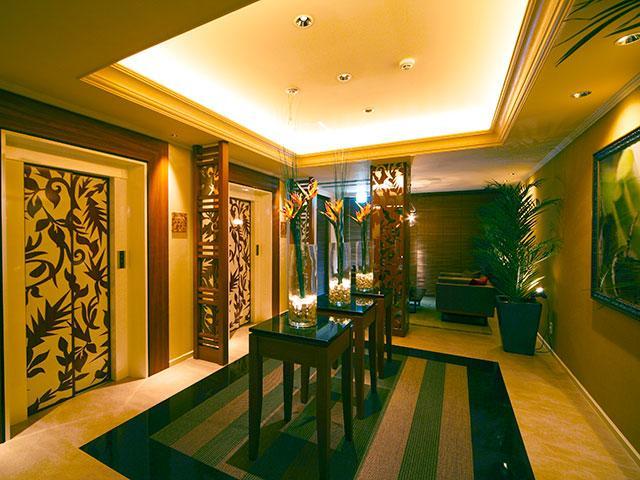 307号室 高級感漂うエレベーターホール