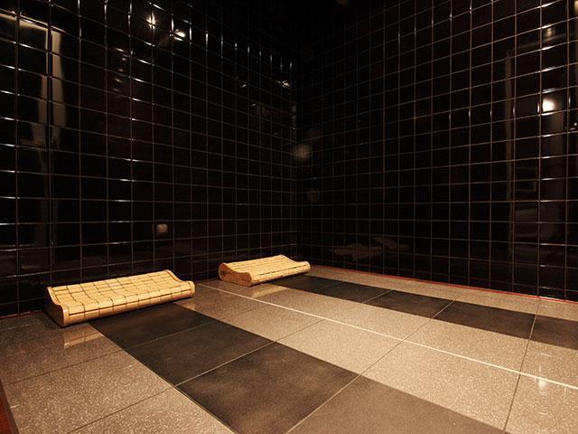 ロイヤルタイプ 専用の個室岩盤浴でリラックス