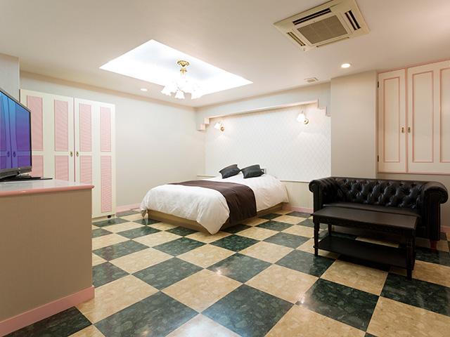 ホテル ジィニア 十三店