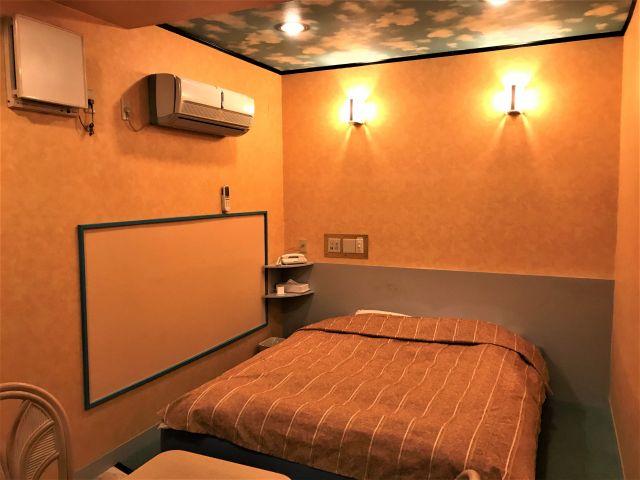 115号室 ベッドルーム