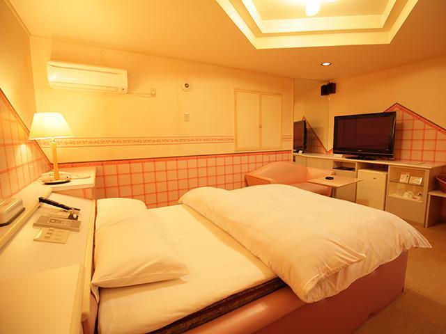 HOTEL YONABARU(ホテル ヨナバル)