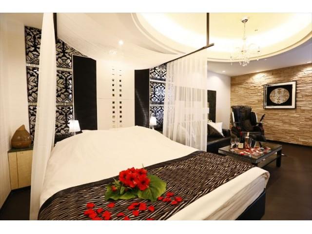 Hotel  MOMA  ( ホテル  モマ )