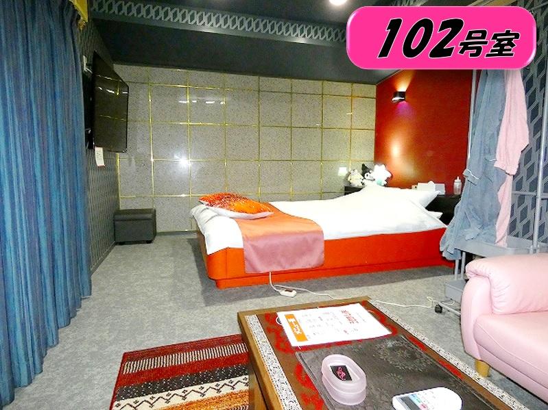 101/102 102号室