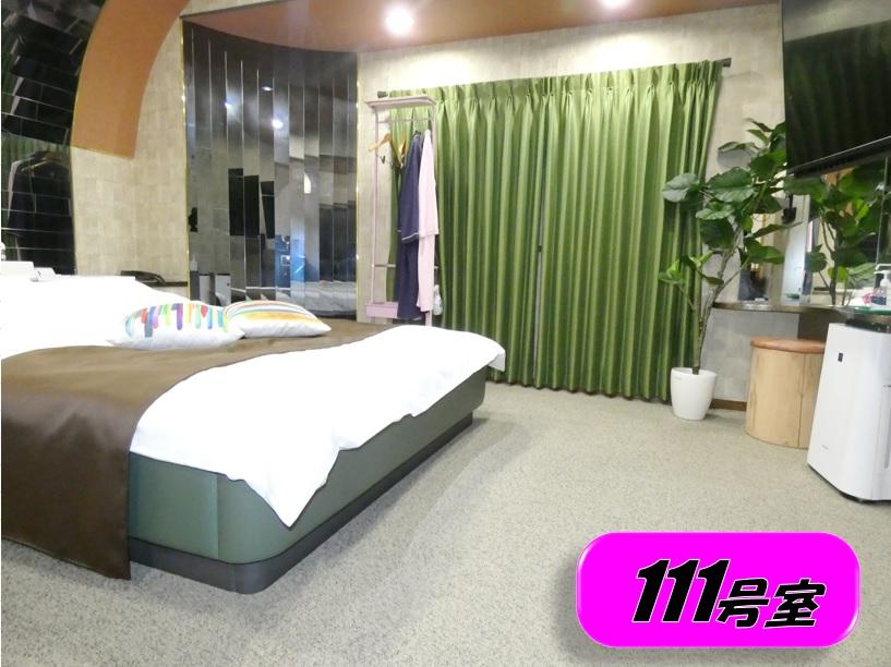 111 ベッドルーム
