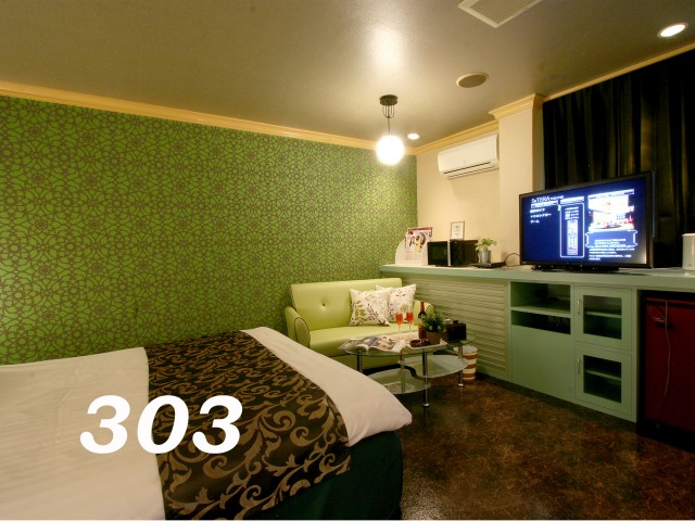 208号室/303号室