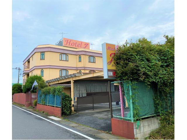 ホテル J