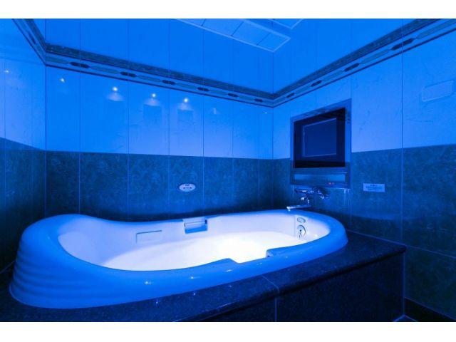 301/レインボージェットバス TV&オーロラ&ジェットバスと、フル装備のバスルーム!