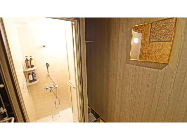 客室③ 05号室(シャワールーム)