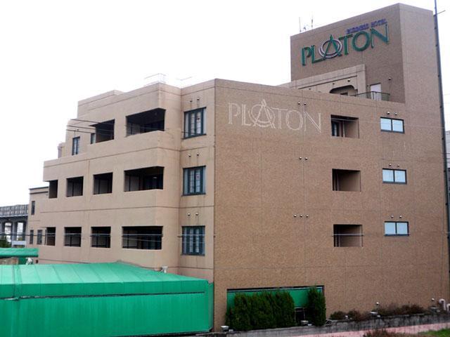 HOTEL PLATON(�z�e�� �v���g��)