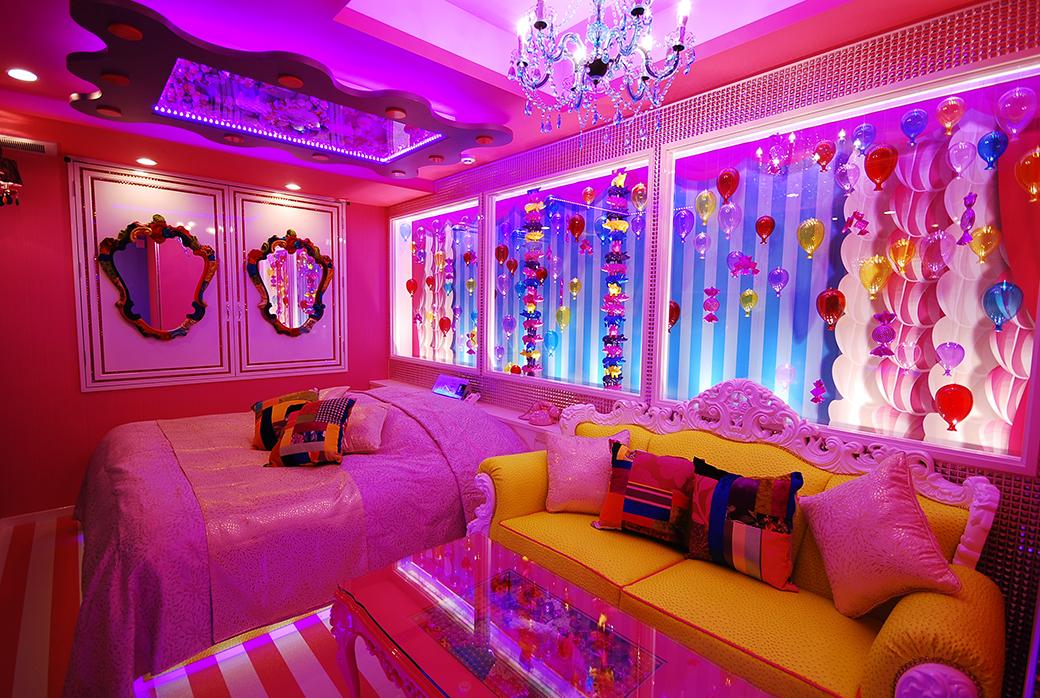502キャンディキャンディ…鮮やかで楽しくなっちゃうお部屋です。こういった色合いやモチーフのスタジオは意外と少ないので重宝しますね。